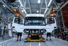 Linhas de cabinas da Mercedes Benz