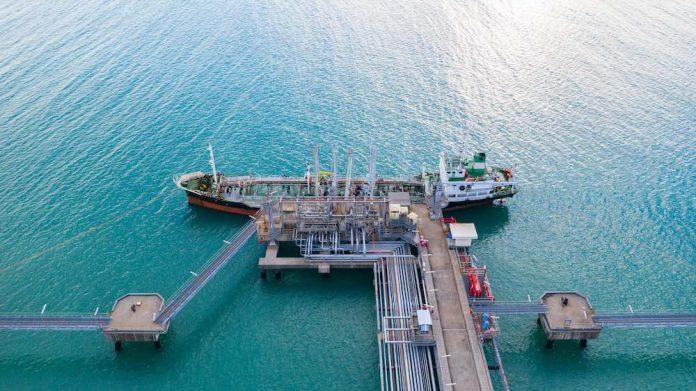 China acelera importações do petróleo brasileiro