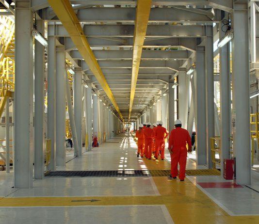 Novo poço de petróleo e operações no pré-sal da Bacia de Santos