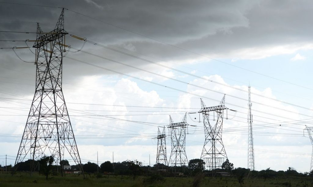 Por que a oferta de energia nova cresce se a economia patina?