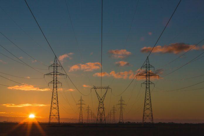 E se a crise hídrica continuar e a economia retomar crescimento? Haverá energia?